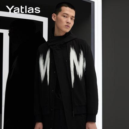 亚锐Yatlas男装秋季新品黑色撞色微弹白色胶印棒球领休闲夹克