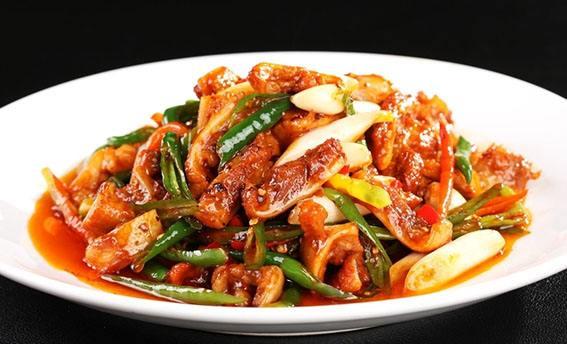 厨师炒菜技术大全,在家也能做出美味来。