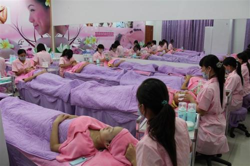 深圳龙华职业美容师全科班课程 深圳龙华美容师全科班学哪些内容