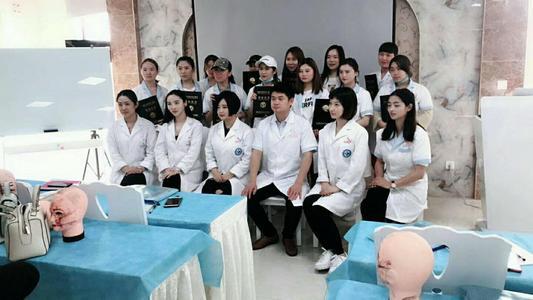 深圳美容师高级(三级)培训班 美容师高级(三级)培训学校