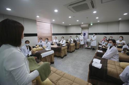 韩国皮肤管理授课内容(40%理论课程+60%实操课程)