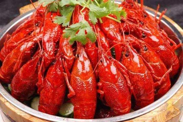 十三香小龙虾,十三香小龙虾特色小吃