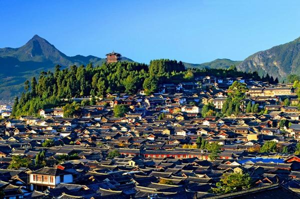去云南旅游,跟团与自由行那个更划算?