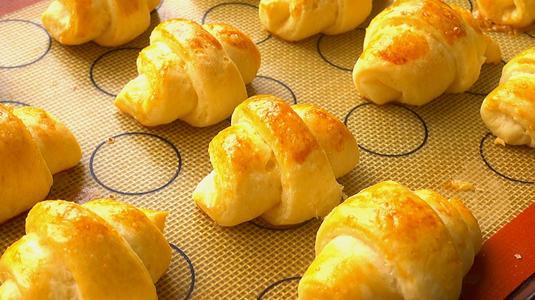 深圳哪里有中式面包培训班 深圳专业中式面包培训学校哪里好
