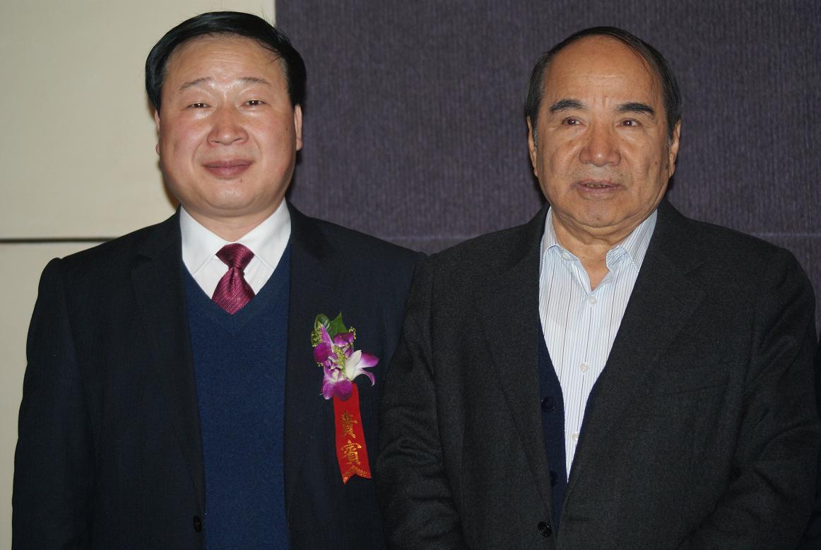 胡兆荣主任陪同十一届全国政协副主席阿不来提阿不都热西提调研时合影