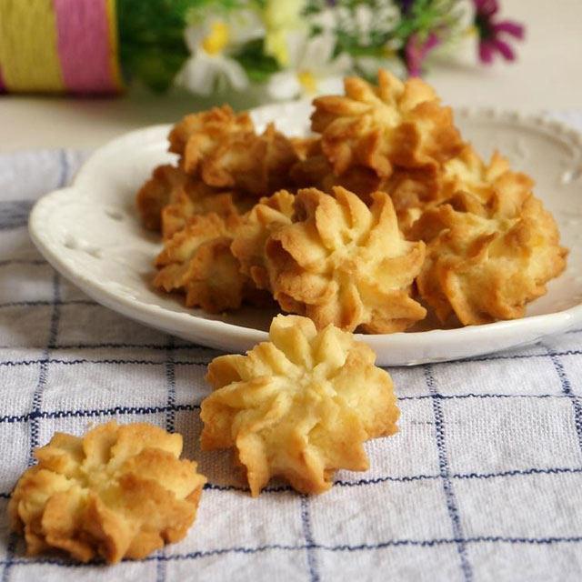 吃的椰蓉曲奇饼干