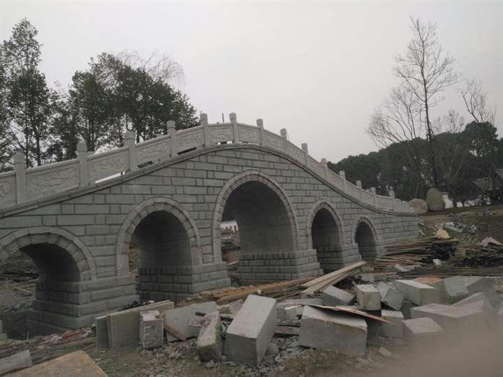 拱桥青石栏杆