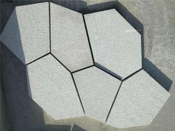 黃鏽石冰裂紋碎拼_成都翰林石材精工制作