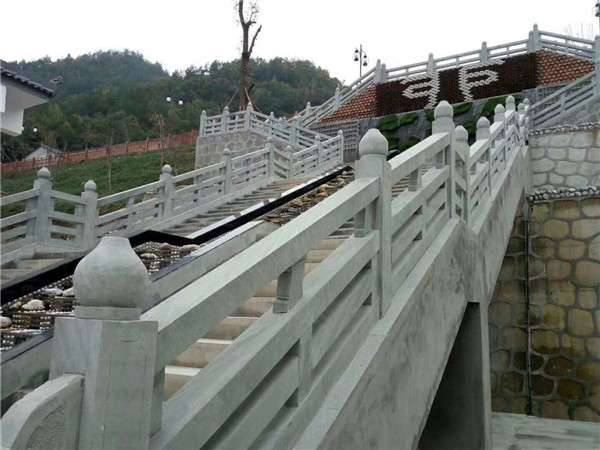 四川青石條柱雕刻欄杆_成都翰林石材價格實惠