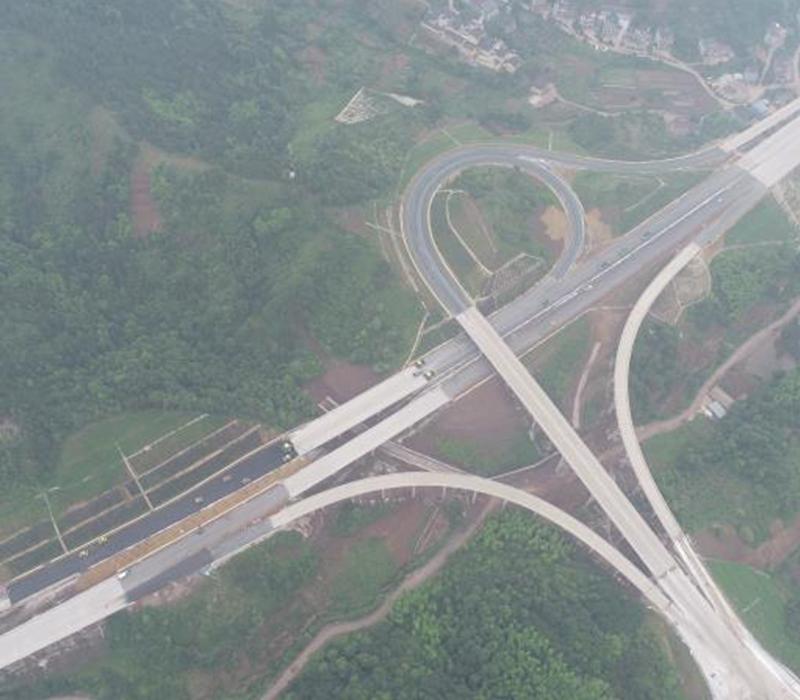 高速公路边坡绿化工程