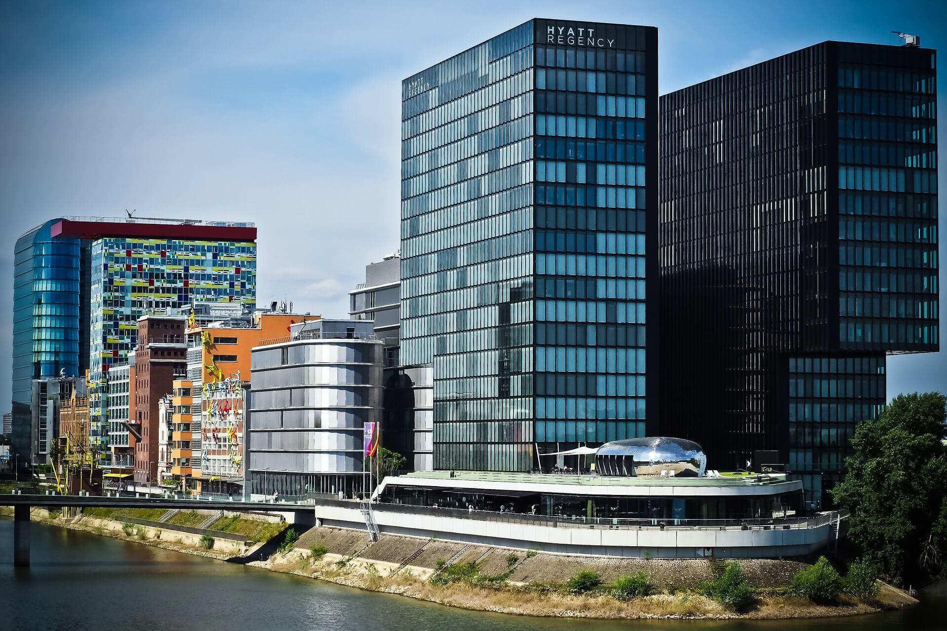 Intelligent Real Estate8-6